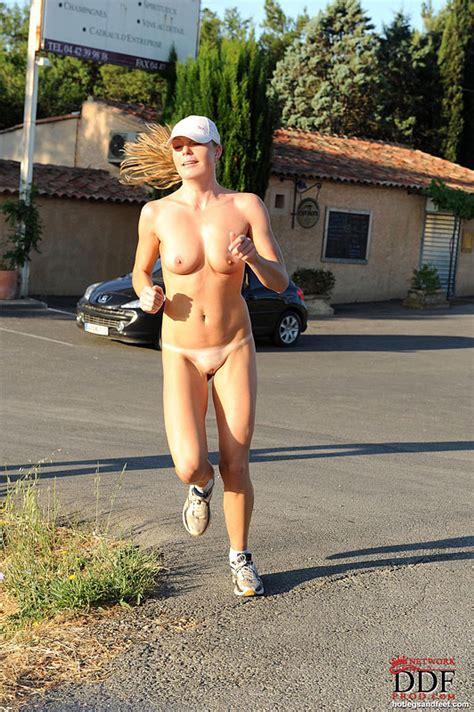 Nude joggers porn videos jpg 532x800
