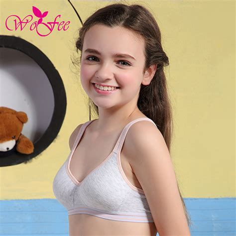 Small teen tits cute skinny teens with small tits jpg 1000x1000