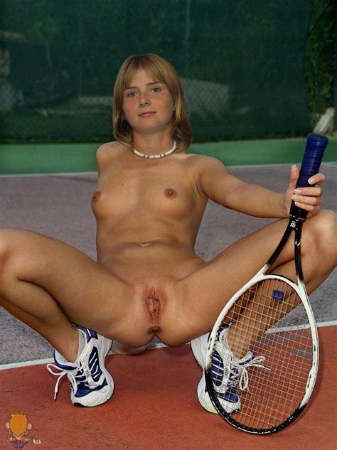 Hantuchova nude picture jpg 925x1237