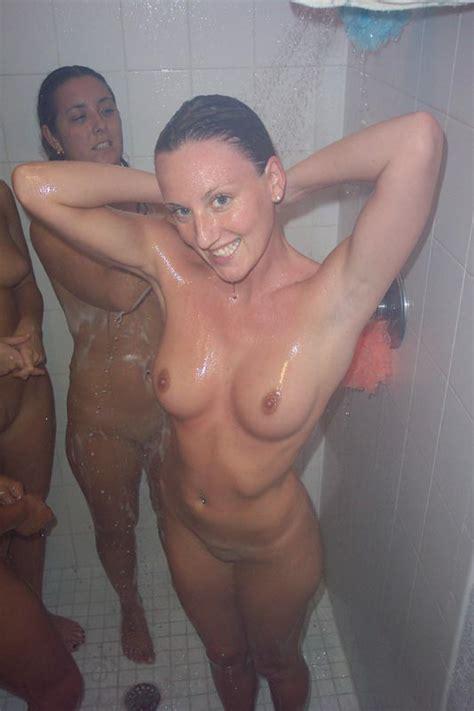 naked girls shower lockerrom jpg 533x800