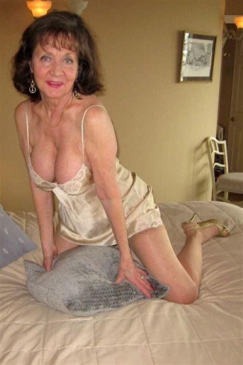 Old sexy mature mom tube jpg 540x810