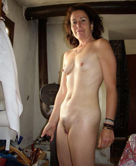 small brested women porn jpg 960x1173