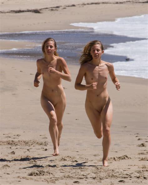 nude jogging clips jpg 500x625
