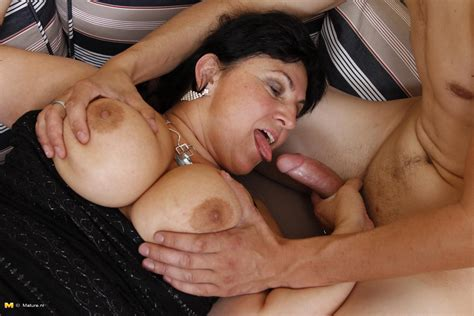 Slut galleries older kiss free mature, granny and hot jpg 1680x1120